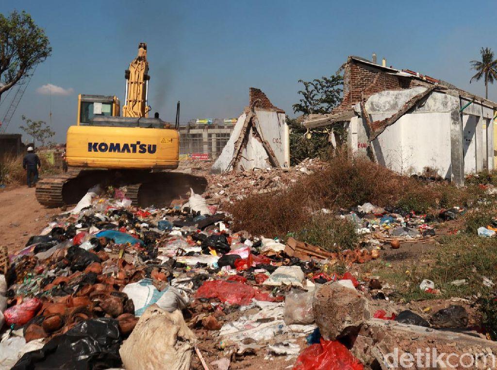 Penampakan 169 Kios Pasar Cileunyi Dieksekusi untuk Tol Cisumdawu