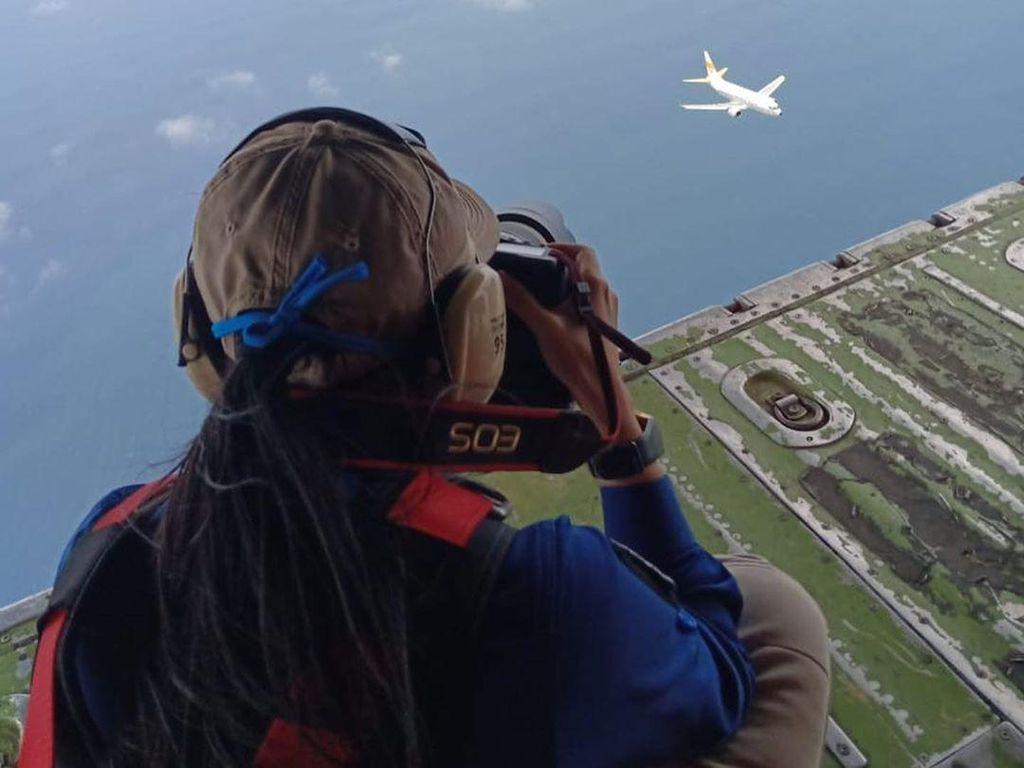 Fotografer Pesawat Tempur, Pekerjaan Super Langka