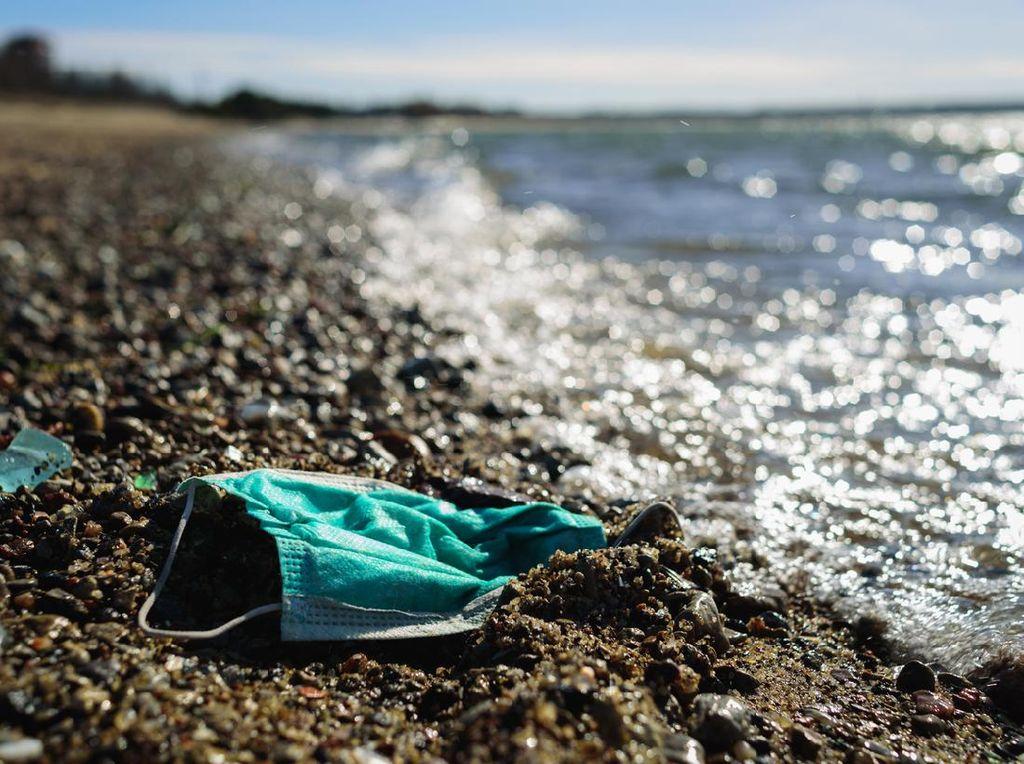 Duh! Pantai Populer Inggris Penuh Sampah Masker