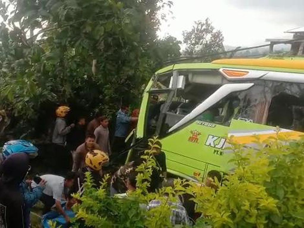 Kecelakaan Maut Libatkan 6 Kendaraan di Wonosobo, 3 Orang Tewas