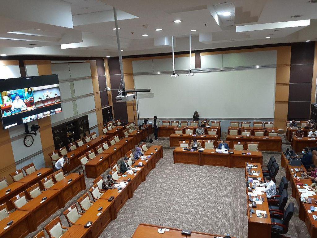 Rapat Bareng Kapolri, Arteria-Habiburokhman Kritik soal Pam Swakarsa