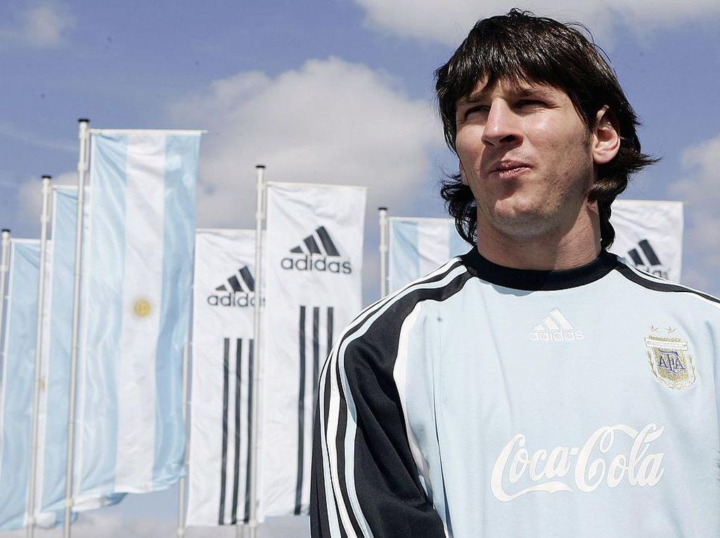 Cerita Lionel Messi Janji Tidak Akan Minum Coca-Cola