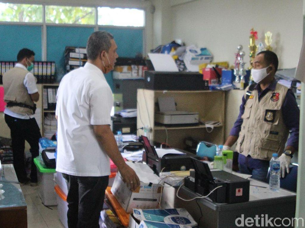 Polisi Geledah Kantor PUPR Kalbar terkait Dugaan Korupsi Proyek Jalan