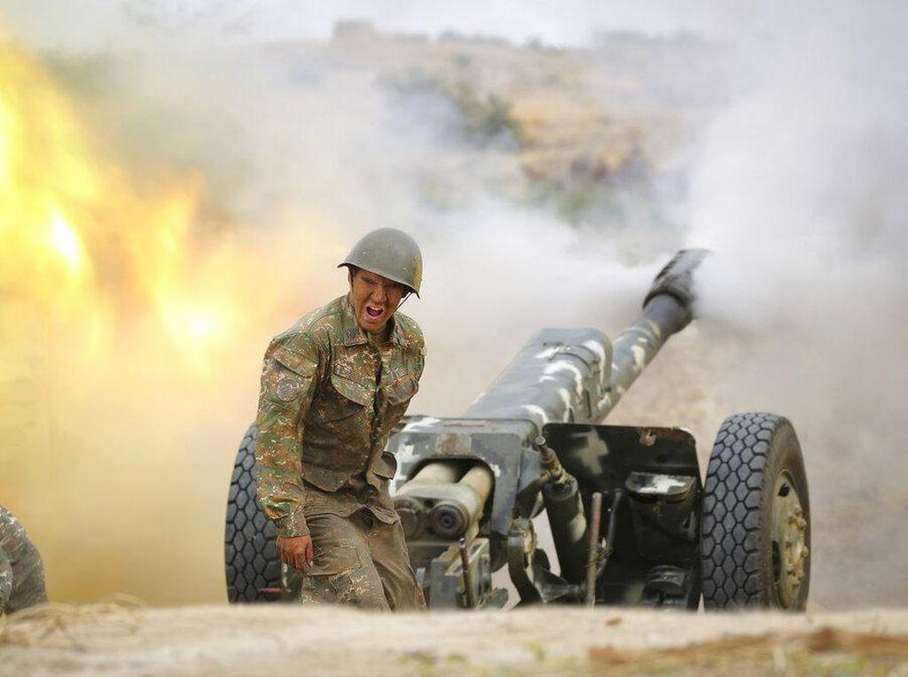 Foto Armenia-Azerbaijan Saling Serang