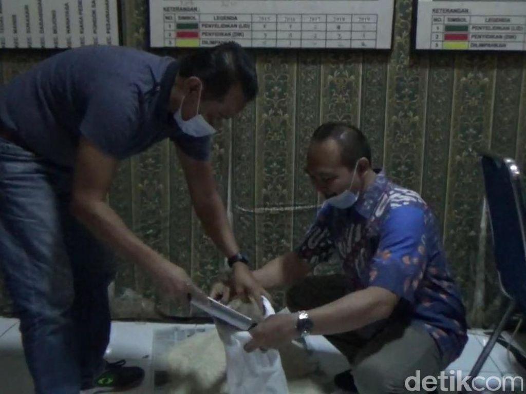 Tak Hanya di Cianjur, Beras Bansos Bercampur Plastik Juga Ditemukan di Purwakarta