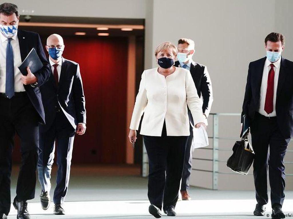 Rapat Darurat, Angela Merkel Umumkan Langkah Baru Tangani Corona