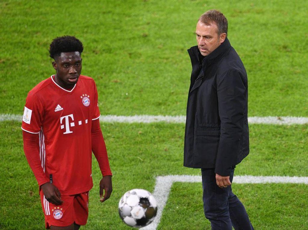Meski Raih Piala Super Jerman, Performa Bayern Tak Puaskan Flick