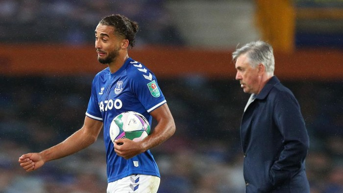 LIVERPOOL, ENGLAND - SEPTEMBER 30: Dominic Calvert-Lewin of Everton carries the match ball after scoring a hat trick during the Carabao Cup fourth round match between Everton and West Ham United at Goodison Park on September 30, 2020 in Liverpool, England. Football Stadiums around United Kingdom remain empty due to the Coronavirus Pandemic as Government social distancing laws prohibit fans inside venues resulting in fixtures being played behind closed doors. (Photo by Peter Byrne - Pool/Getty Images)