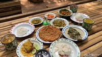 Ngeri-ngeri Sedap, Meski Dekat Kuburan 5 Tempat Makan Ini Selalu Ramai!