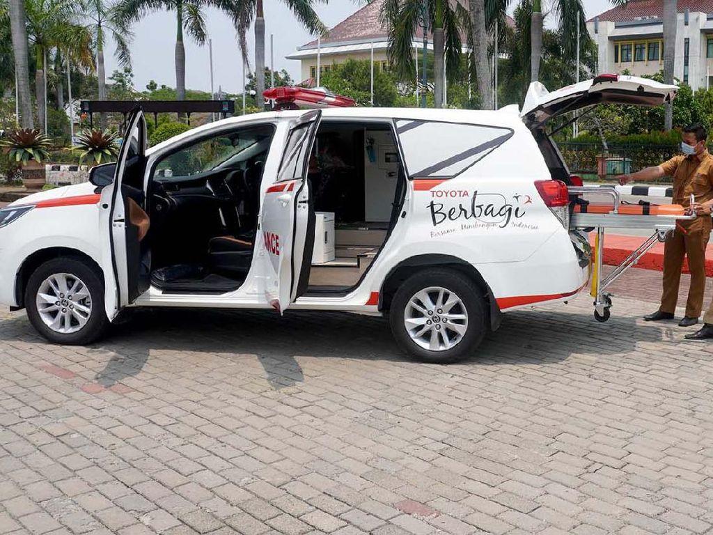 Bantuan Ambulans untuk Penanganan COVID-19