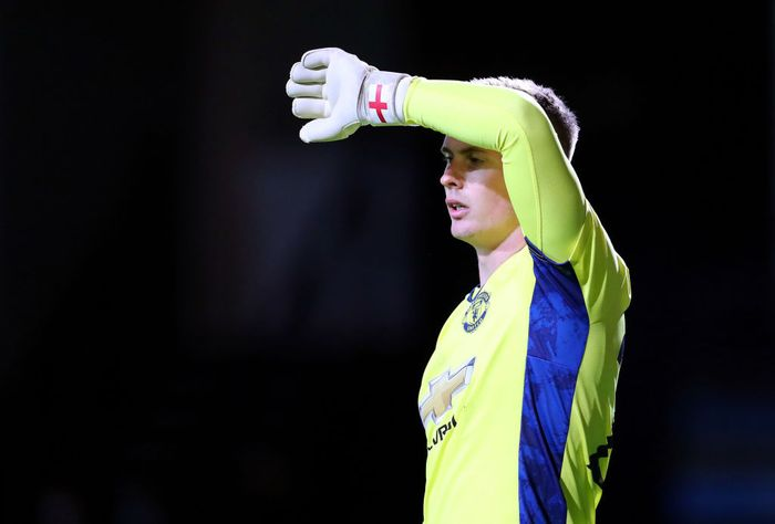 LUTON, ENGLAND - SEPTEMBER 22: Dean Henderson of Manchest United during the Carabao Cup Third Round match between Luton Town and Manchester United at Kenilworth Road on September 22, 2020 in Luton, England. (Photo by Catherine Ivill/Getty Images)