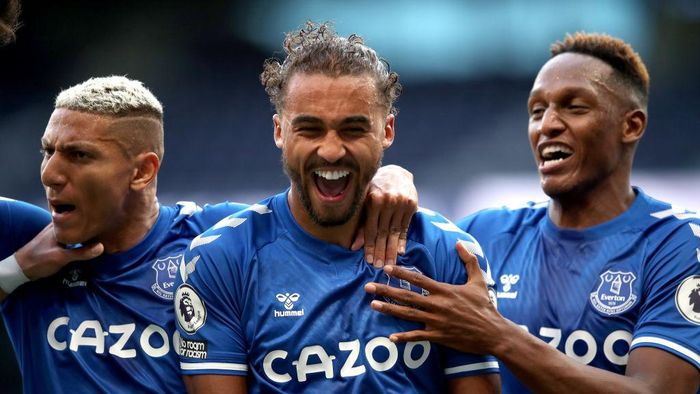 LONDON, ENGLAND - SEPTEMBER 13: Dominic Calvert-Lewin of Everton celebrates after scoring his teams first goal during the Premier League match between Tottenham Hotspur and Everton at Tottenham Hotspur Stadium on September 13, 2020 in London, England. (Photo by Alex Pantling/Getty Images)