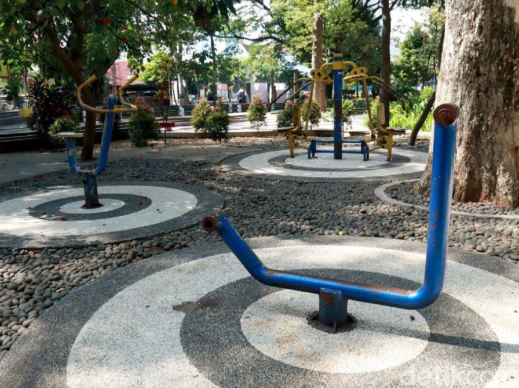 Duh, Alat Fitness di Taman Dewi Sartika Bandung Tak Terawat