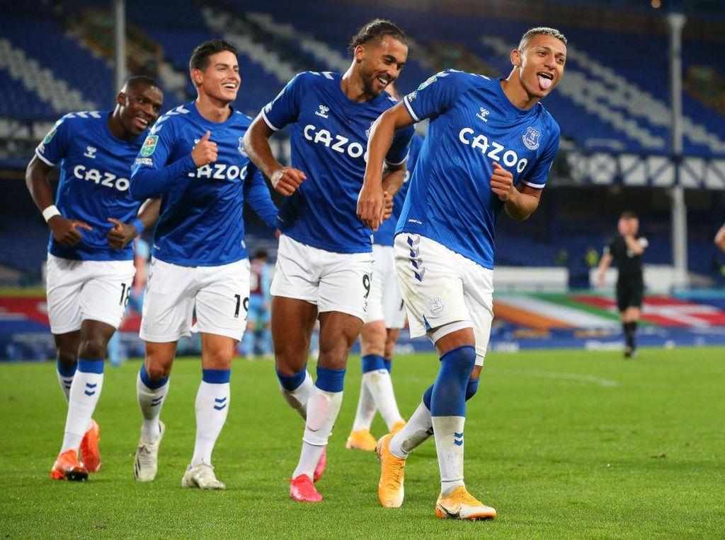 Everton Menang, Menang, Menang