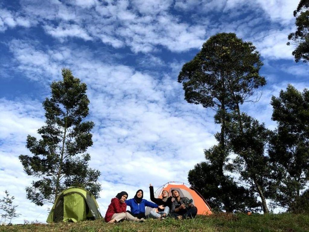 Serunya Camping di Gunung Merbabu Via Selo