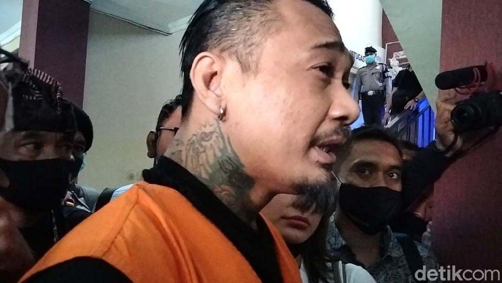 Jerinx Angkat Bicara Soal Bercumbu Dalam Mobil Tahanan
