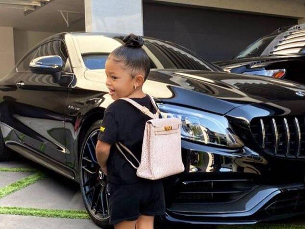 Sultan! Tas Sekolah Putri Kylie Jenner Seharga Rp 178 Juta
