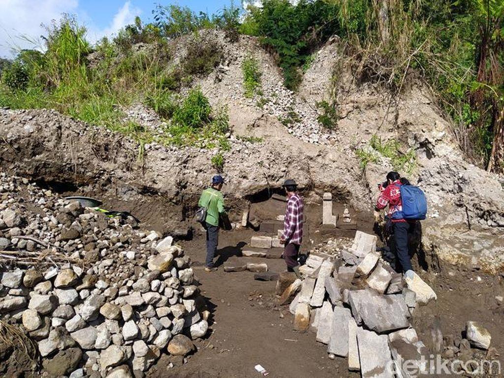 Penambang Pasir Temukan Bebatuan Candi di Lereng Merbabu-Merapi