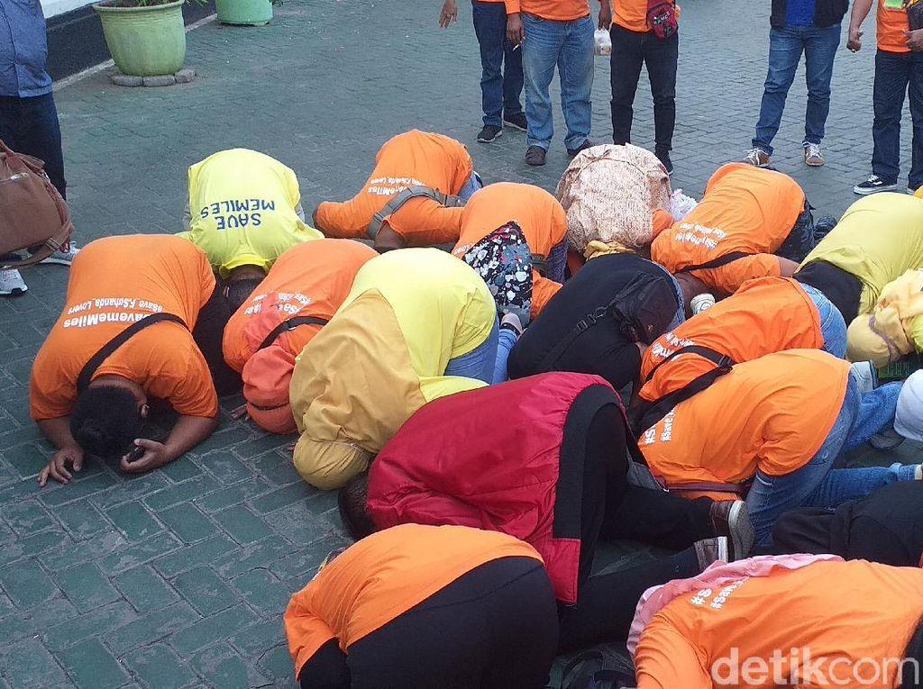 Hakim Bebaskan 4 Pentolan MeMiles, Member Langsung Sujud Syukur