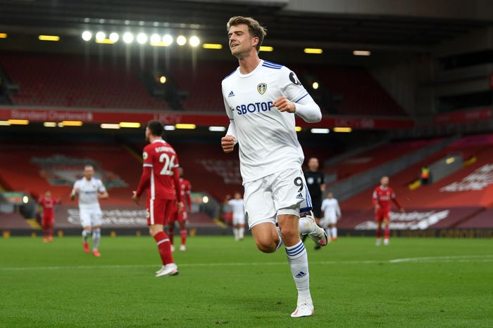 LIVERPOOL, ENGLAND - SEPTEMBER 12: Patrick Bamford of Leeds United celebrates after scoring his teams second goal during the Premier League match between Liverpool and Leeds United at Anfield on September 12, 2020 in Liverpool, England. (Photo by Shaun Botterill/Getty Images)