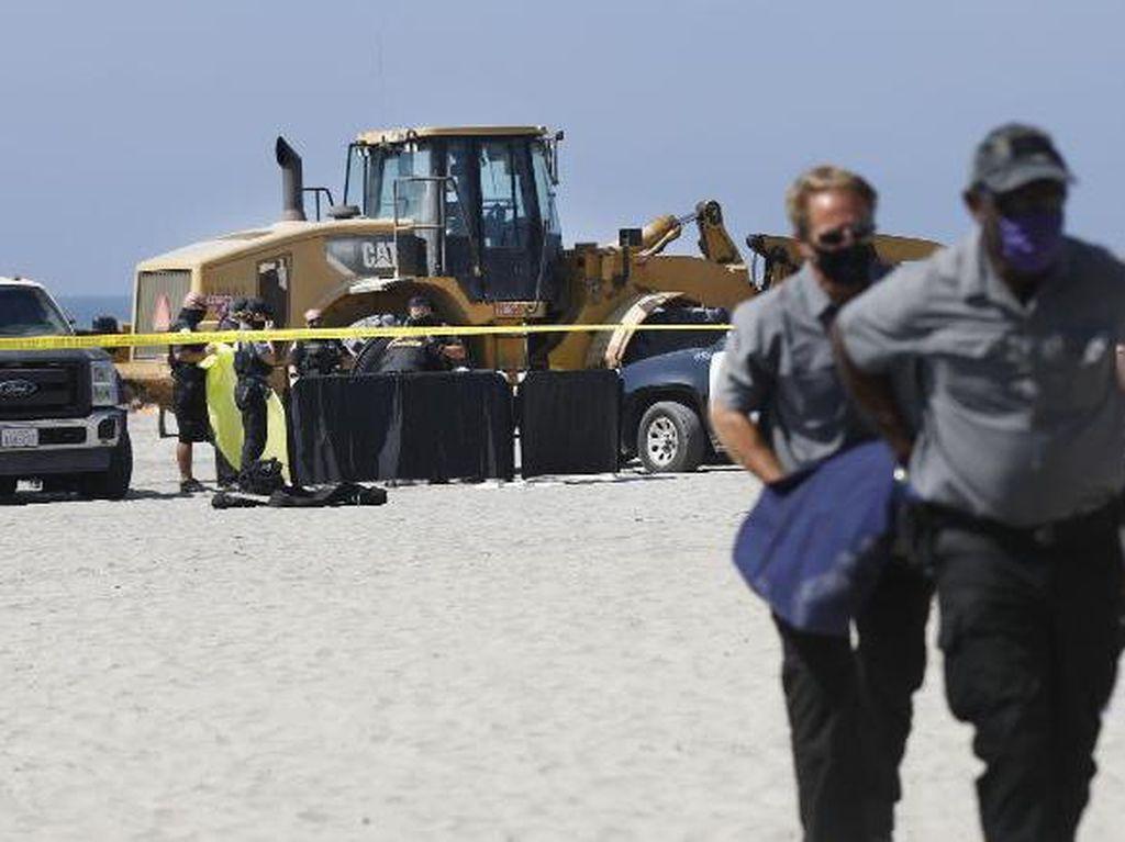 Tragis! Traktor Lindas Wanita yang Sedang Berjemur di Pantai