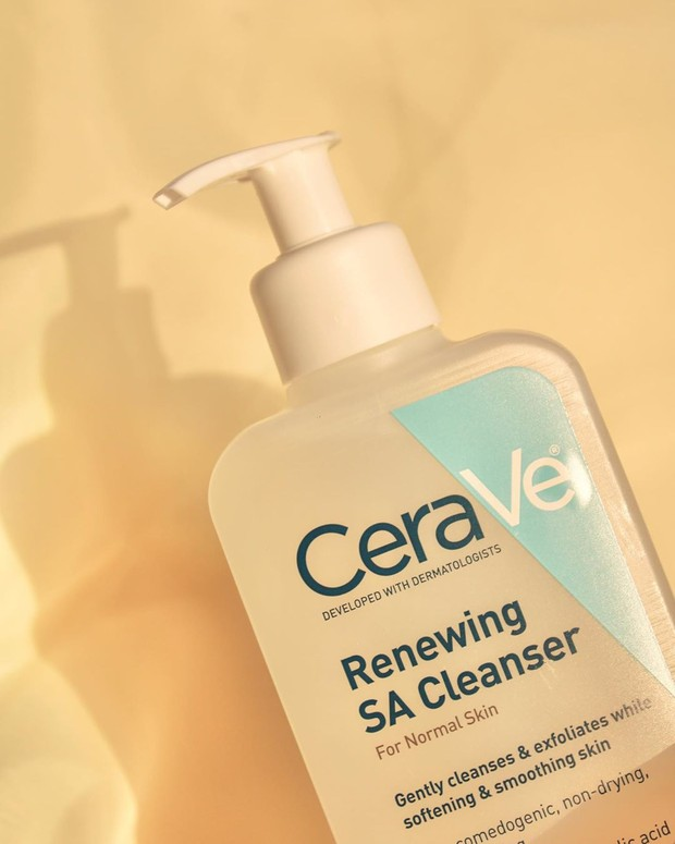 CeraVe Renewing Salicylic Acid Cleanser