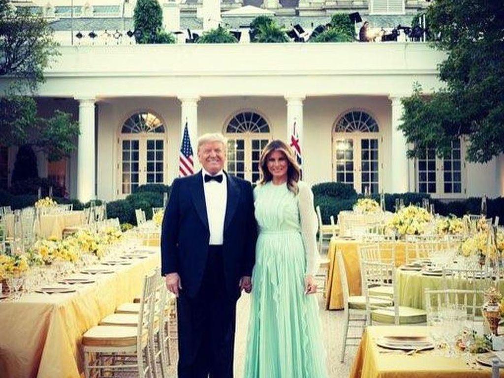 Donald Trump dan Melania Positif Corona Setelah Bepergian Naik Pesawat, Ini Faktanya