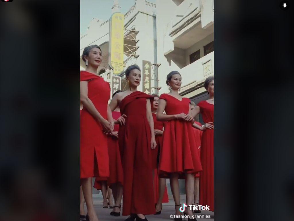 Viral Nenek-nenek Bergaya Stylish di Jalan, Ternyata Barisan Mantan Model