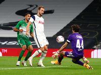 Kane Hat-trick, Tottenham Libas Maccabi 7-2 dan Pijak Fase Grup Liga Europa