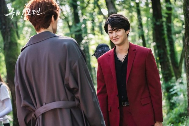 Lee Dong Wook & Kim Bum/ Foto: Soompi