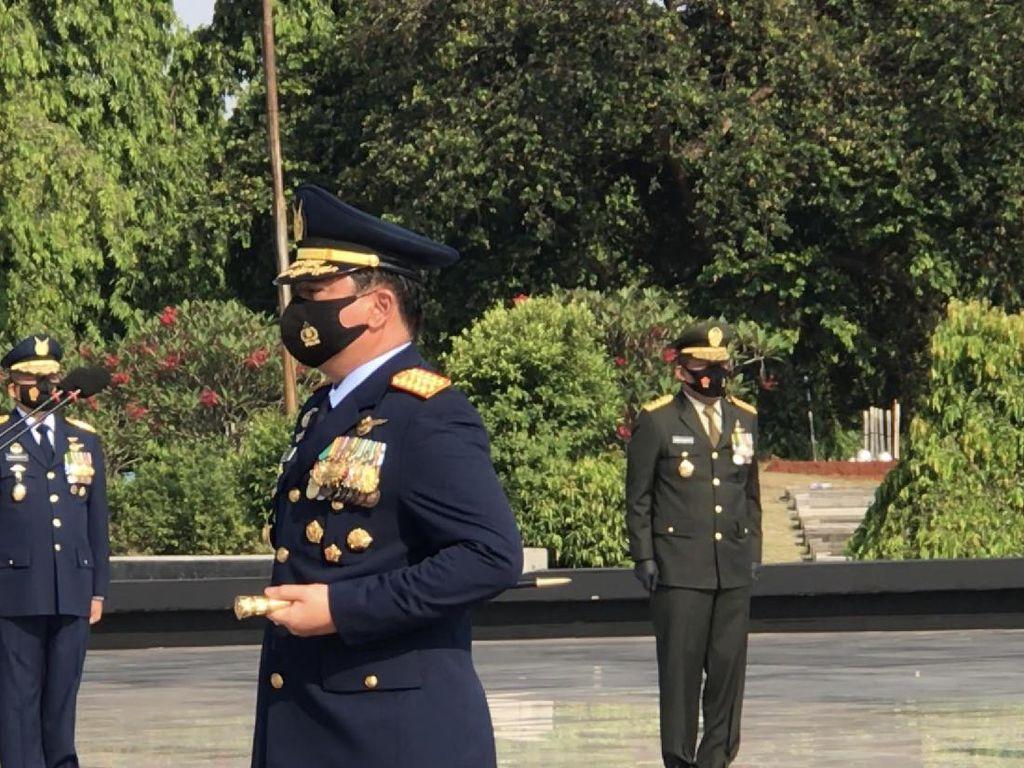 Sambut HUT Ke-75 TNI, Panglima Ziarah Nasional-Tabur Bunga di TMP Kalibata