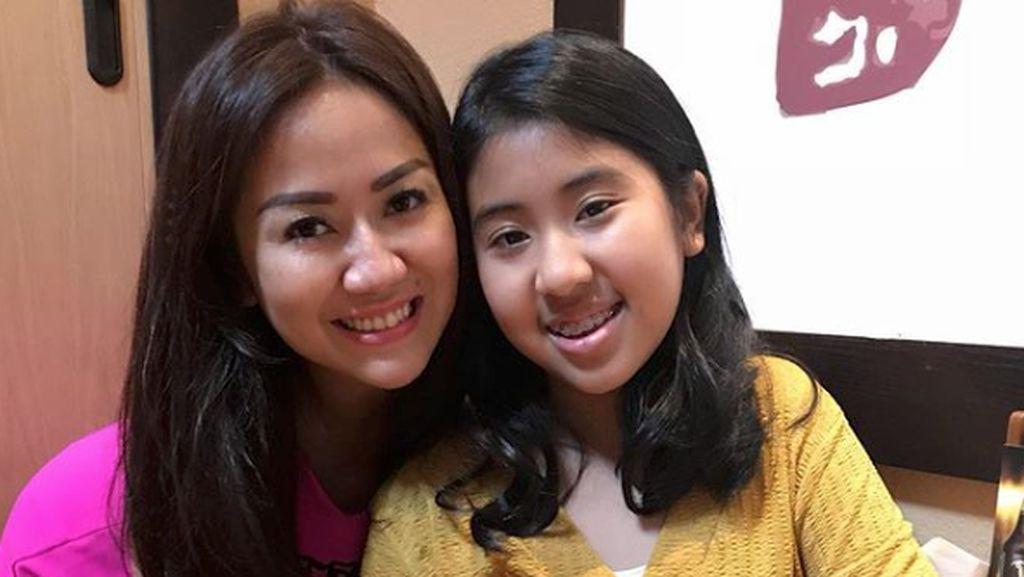 Dear Netizen, Ini Pesan Tante Ernie soal Putrinya
