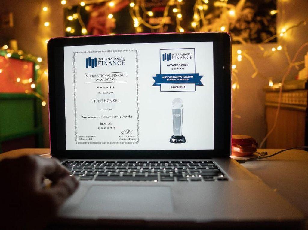 Telkomsel Raih Penghargaan Provider Telekomunikasi Paling Inovatif