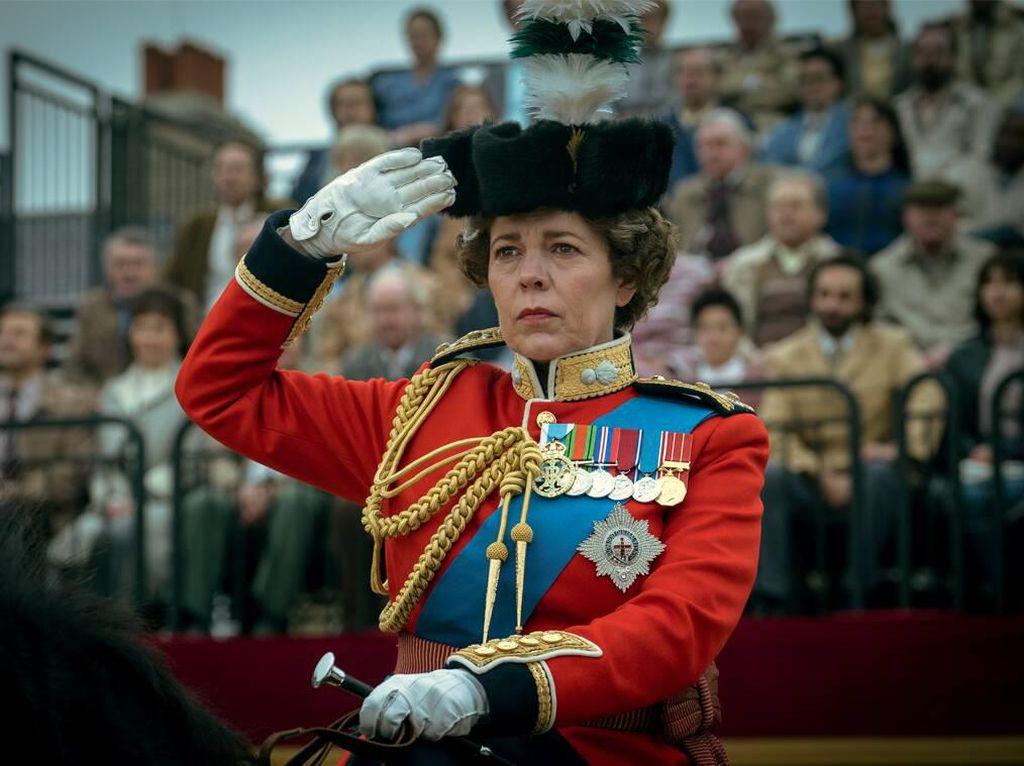 Melihat Emma Corrin Sebagai Putri Diana di The Crown, Mirip Banget!