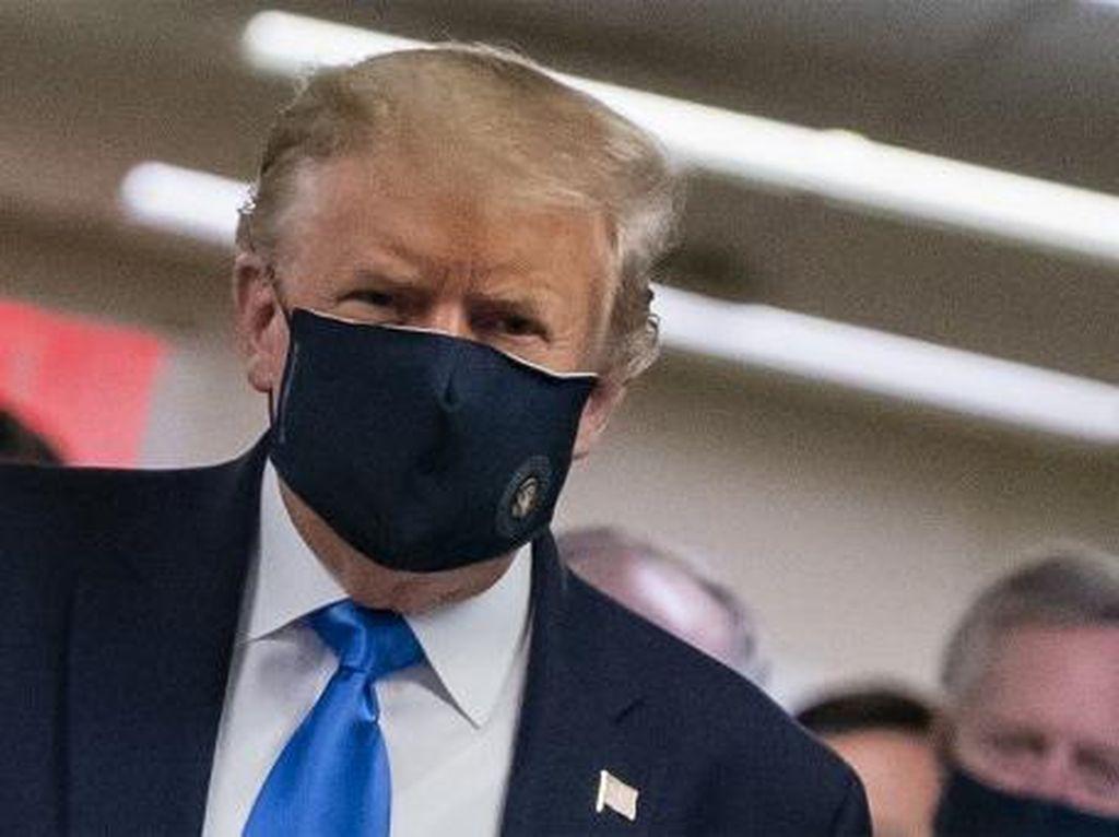 Para Ahli Menduga Donald Trump Sakit Parah Akibat COVID-19, Ini Sebabnya