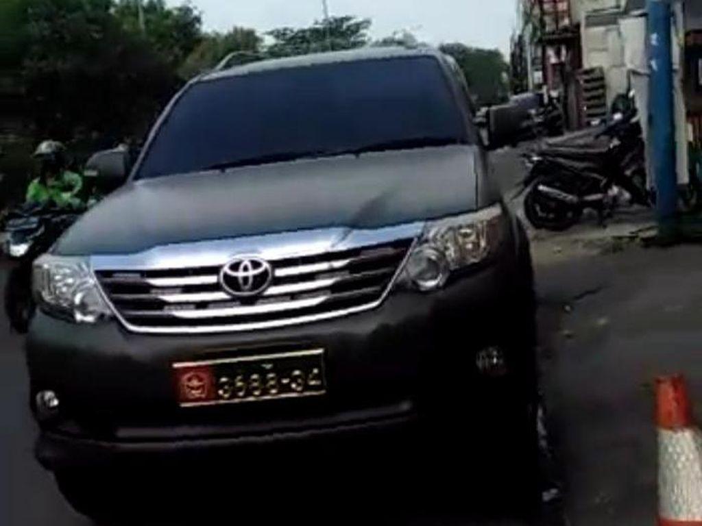 Danpuspomad: Ahon Ubah Warna Mobil dari Hitam Metalik ke Hijau Army