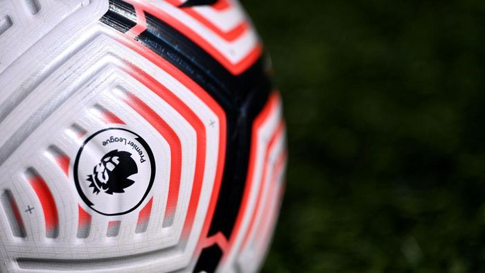 LEEDS, ENGLAND - SEPTEMBER 19: A detailed view of the Premier League Logo is seen on the Nike Flight Ball is seen prior to the Premier League match between Leeds United and Fulham at Elland Road on September 19, 2020 in Leeds, England. (Photo by Laurence Griffiths/Getty Images)