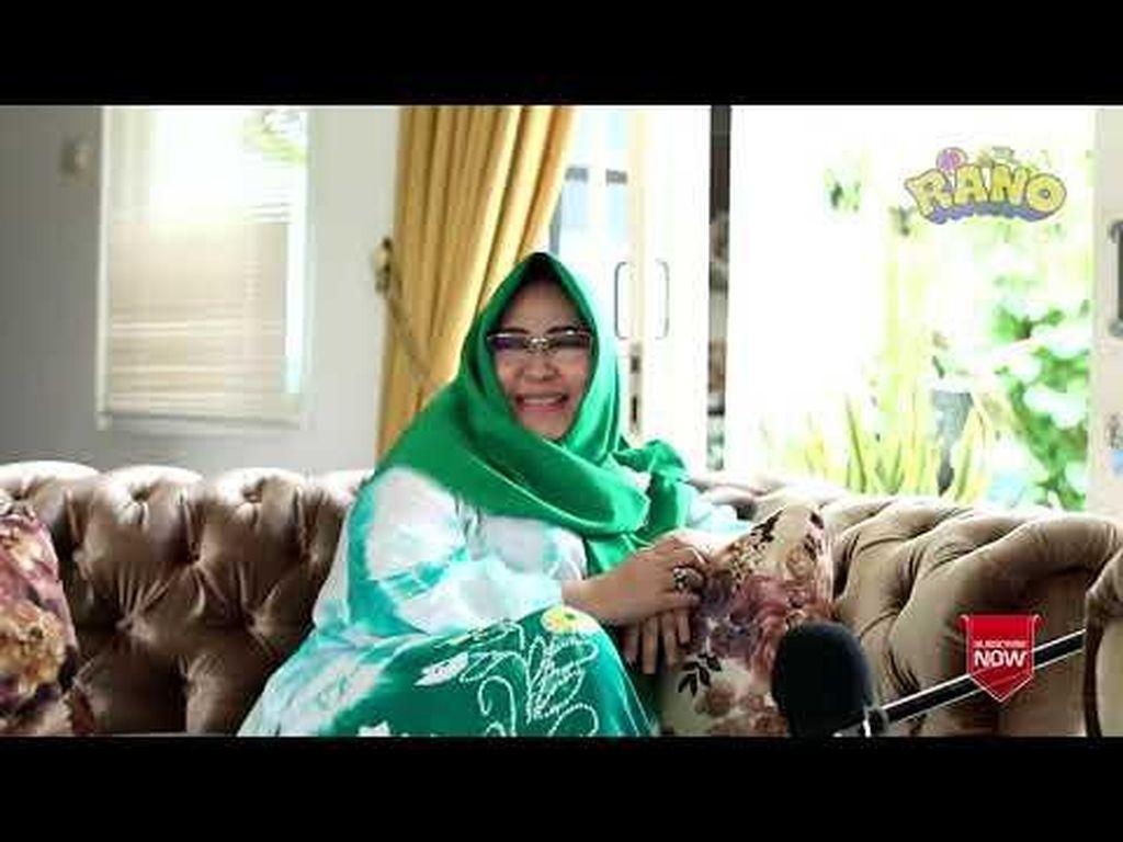 Rano Karno Ciuman Pertamanya, Anita Carolina Bolak-balik Kamar Mandi
