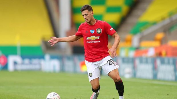 NORWICH, ENGLAND - JUNE 27: Diogo Dalot of Manchester United in action during the FA Cup Quarter Final match between Norwich City and Manchester United at Carrow Road on June 27, 2020 in Norwich, England. (Photo by Catherine Ivill/Getty Images)