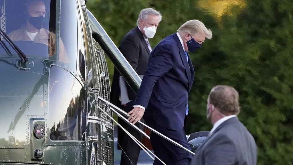 Momen Donald Trump Dibawa ke RS Militer untuk Dirawat