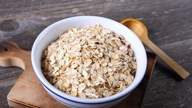Kesalahan Makan Oatmeal yang Bikin Berat Badan Naik