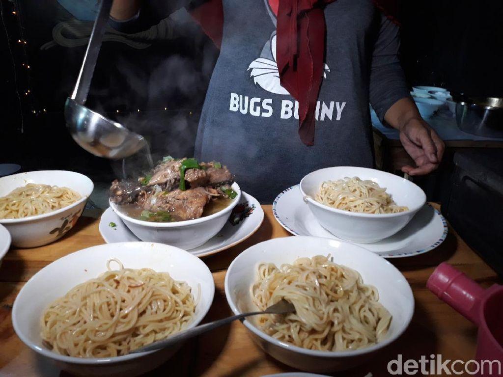 Makanan yang Bikin Gemuk hingga Cicip Mie Ayam Gratis Dapat Rp 100 Ribu