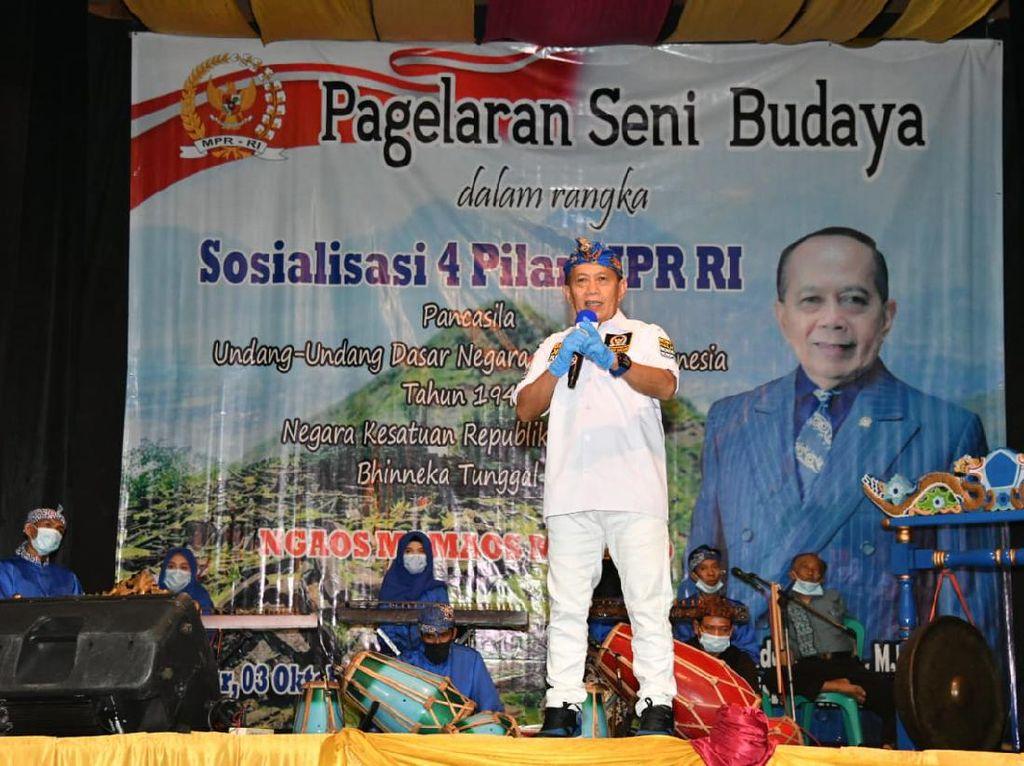Wakil Ketua MPR Ajak Seniman Indonesia Jadi Pelopor Pengamalan 4 Pilar
