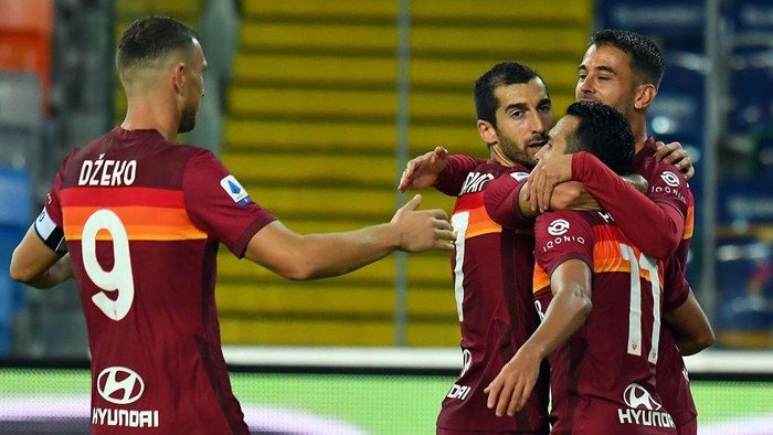 UDINE, ITALY - OCTOBER 03: Ledesma Pedro of AS Roma celebrates after scoring the opening goal during the Serie A match between Udinese Calcio and AS Roma at Dacia Arena on October 03, 2020 in Udine, Italy. (Photo by Alessandro Sabattini/Getty Images)
