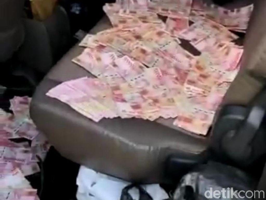 Bawaslu Mojokerto Investigasi Video Tumpukan Uang di Mobil Tim Pemenangan
