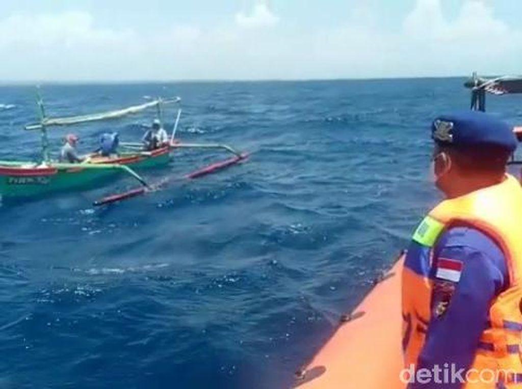 Dikabarkan Hilang, 2 Nelayan Tanjung Ditemukan Selamat Mengapung di Tengah Laut