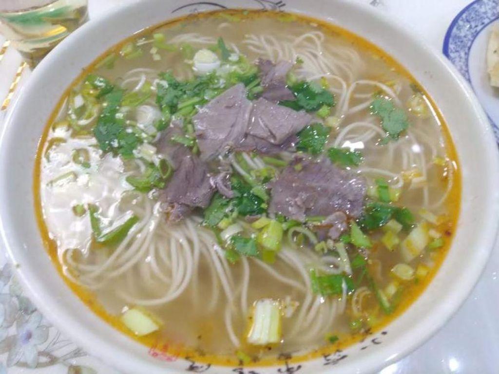 Menikmati Kuliner Halal di District Yuhang Provinsi Zhejiang