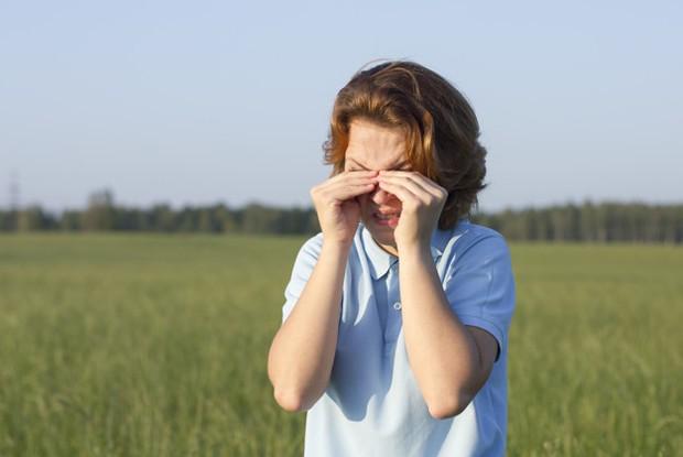 Masalah kesehatan mata seperti mata gatal pun dapat diatasi dengan air daun sirih