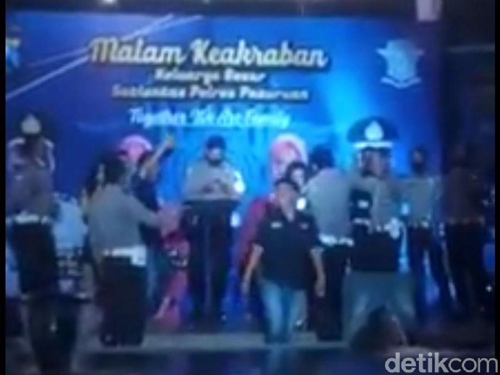 Sertijab Kasat Lantas Pasuruan Digoyang Dangdutan, Propam Turun Tangan