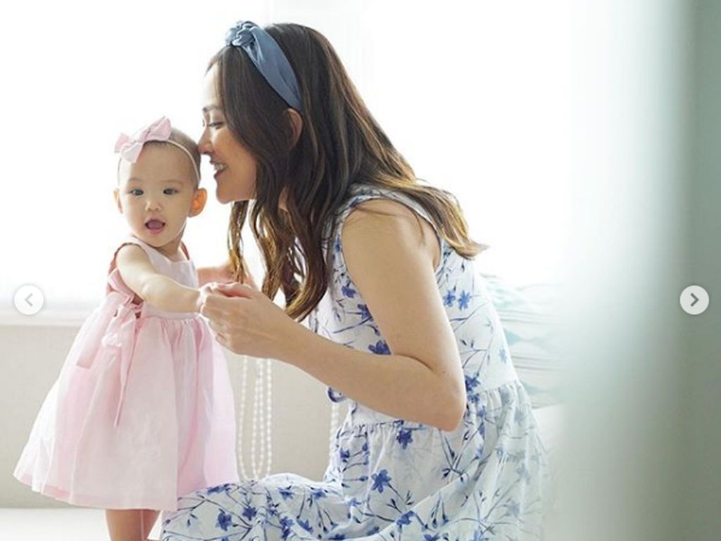 7 Foto Gemas Anak Shandy Aulia yang Bisa Jalan di Usia 7 Bulan